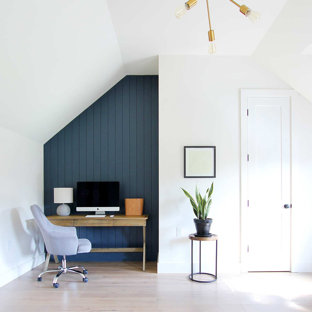 how to create a dark vertical shiplap accent wall