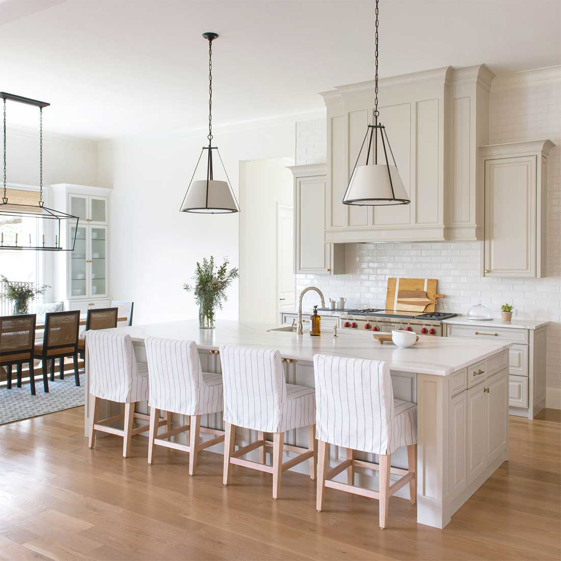 Why White Kitchen Interior Is Still Great For 2019: Choosing The Right Range Hood For A Kitchen