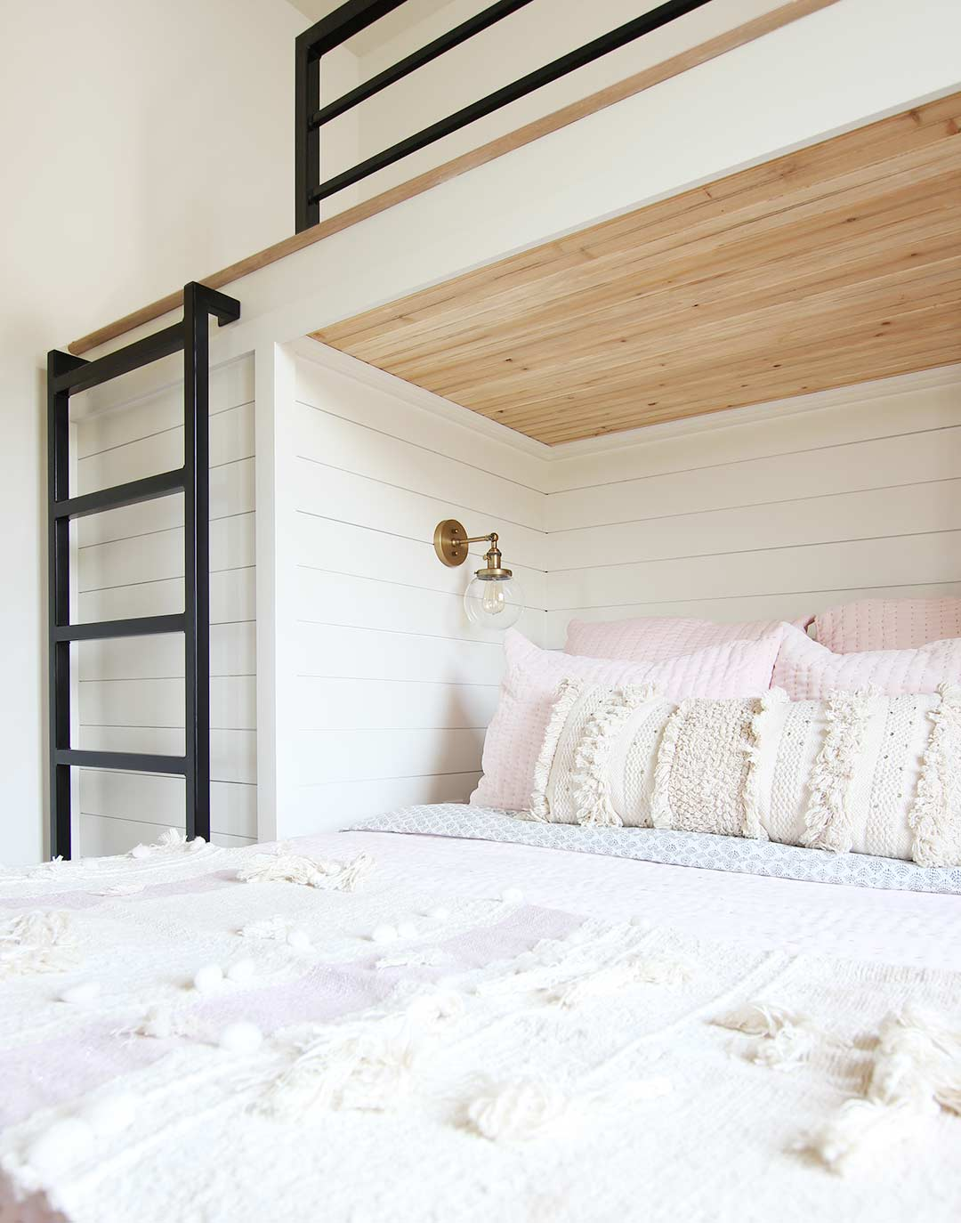 Picture of: Built In Bunk Bed Reveal Plank And Pillow