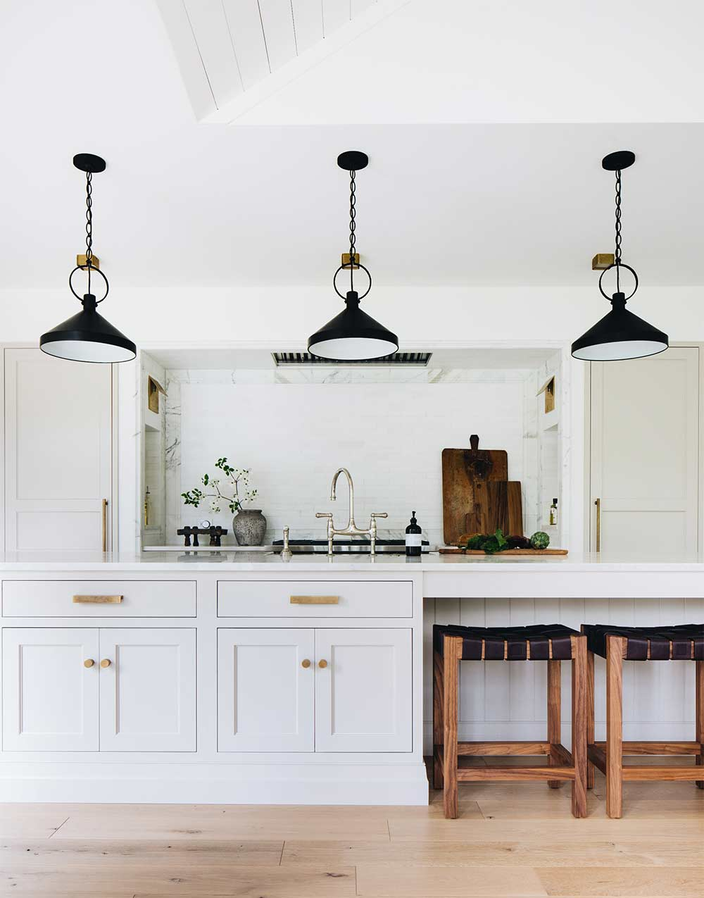 Choosing The Perfect Kitchen Cabinet Color To Match Your Walls Plank And Pillow