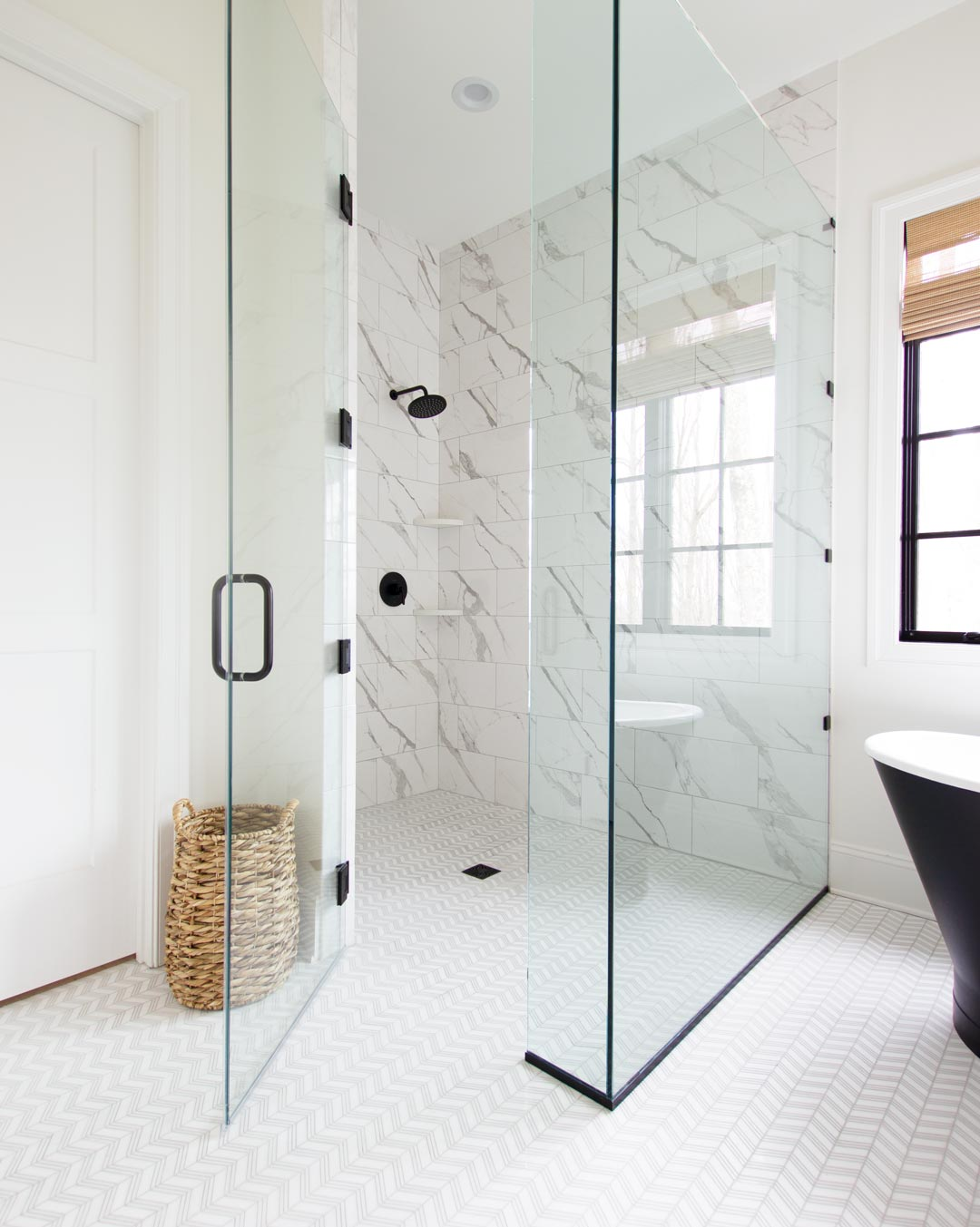 A Guide For Choosing Your Bathroom Tile Plank And Pillow